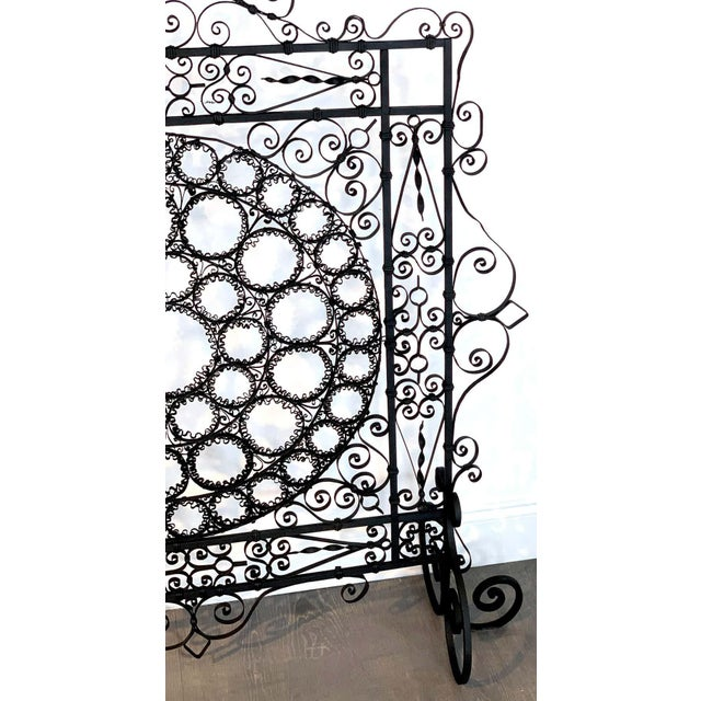 Metal High Victorian Wrought Iron Wire Work Medallion Fires Screen For Sale - Image 7 of 13