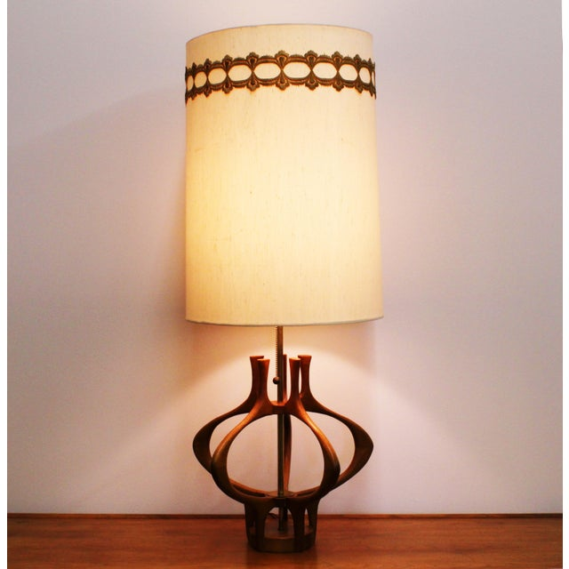 Danish Modern Modeline Sculptural Wood Mid-Century Table Lamp For Sale - Image 3 of 6