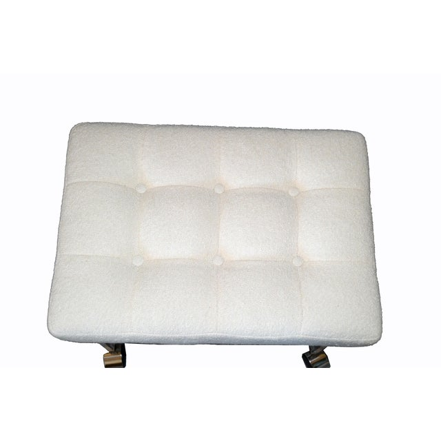 1970s Mid-Century Modern Lucite Stool, Vanity Stool Tufted Boucle Fabric Seat Casters For Sale - Image 5 of 12