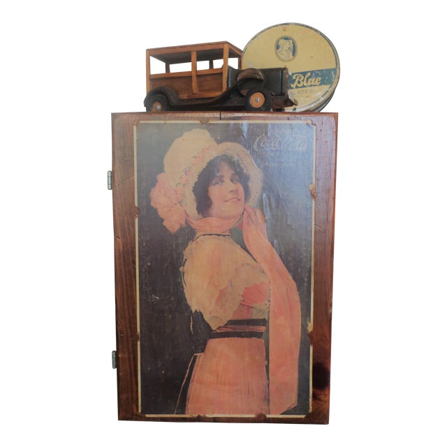 Vintage Decorative Wall Hanging Shelf - Image 5 of 5