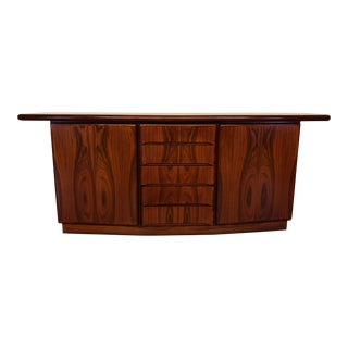 Vintage Rosewood Sideboard With Striking Grain and Lots of Storage - Made in Denmark For Sale