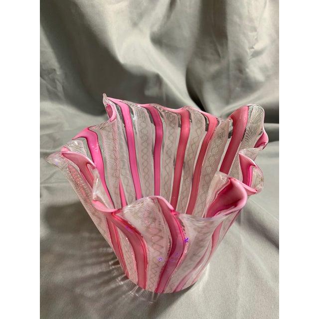 "Glass 1950s Vintage ""Fazzoletto"" Fulvio Bianconi Hand Blown Handkerchief Glass Vase For Sale - Image 7 of 13"