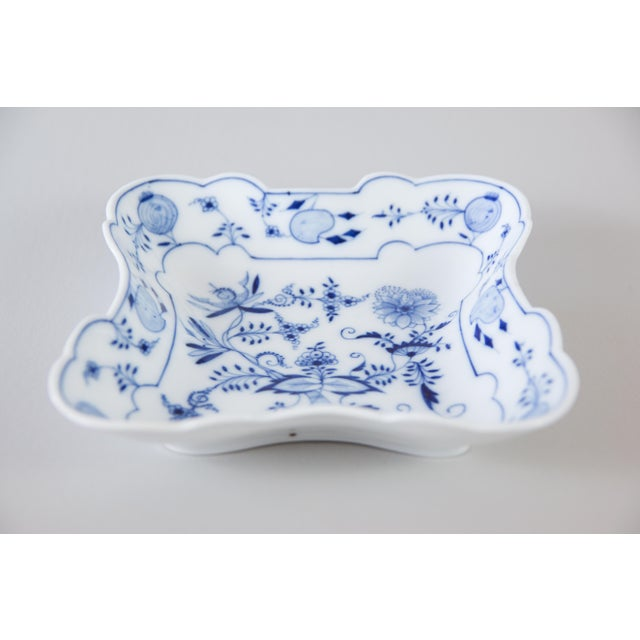 Lovely blue onion porcelain square serving bowl or candy dish. This gorgeous dish would be fabulous for display or perfect...