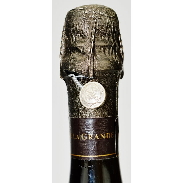 La Grande Dame Champagne Display Bottle - Image 5 of 7
