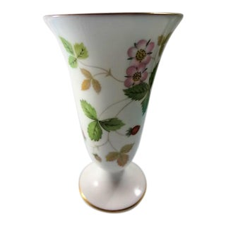 Wedgwood Bone China Floral Pattern on White Vase For Sale