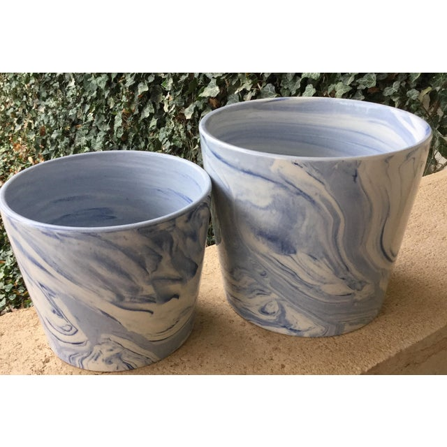 2010s Abstract Modern Blue and White Porcelain Plant Pots - Set of 2 For Sale - Image 5 of 5