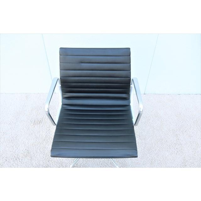 Black Mid-Century Modern Herman Miller Eames Aluminum Group Black Management Chair For Sale - Image 8 of 13
