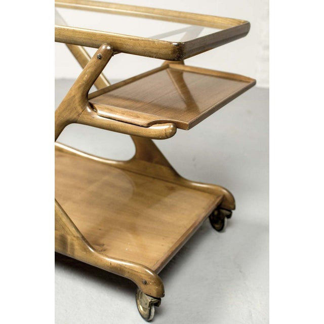 1950s Mid-Century Italian Design Walnut Bar Trolley by Cesare Lacca for Cassina, 1950s For Sale - Image 5 of 11