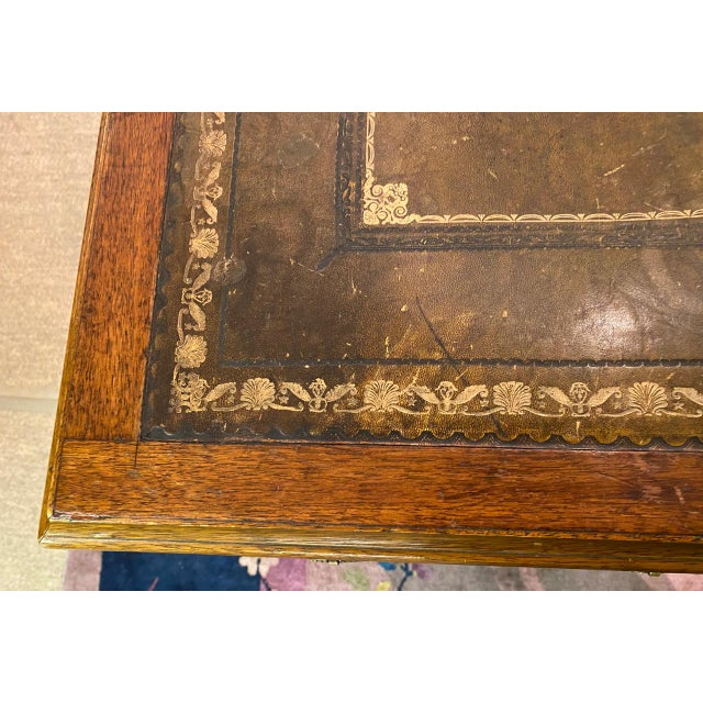 English 19th Century Pedestal Desk For Sale In Los Angeles - Image 6 of 12