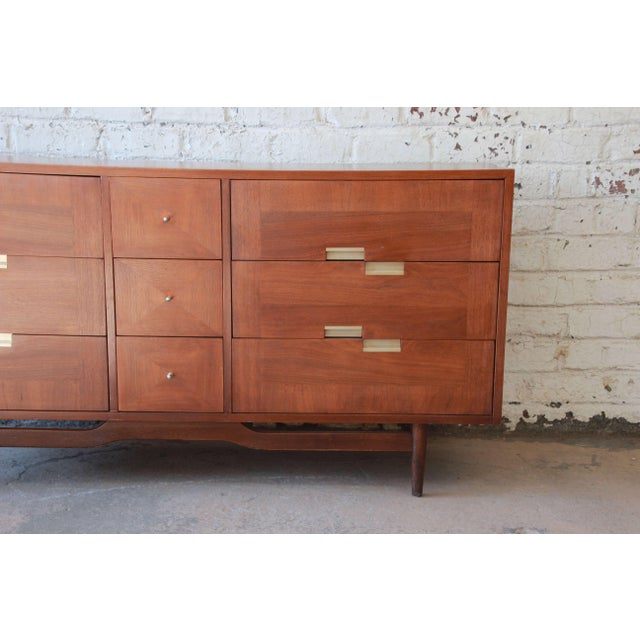 American of Martinsville Merton Gershun for American of Martinsville Mid-Century Modern Walnut Long Dresser or Credenza For Sale - Image 4 of 11