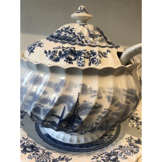 Johnson Brothers English Tureen & Under-Plate Set Preview