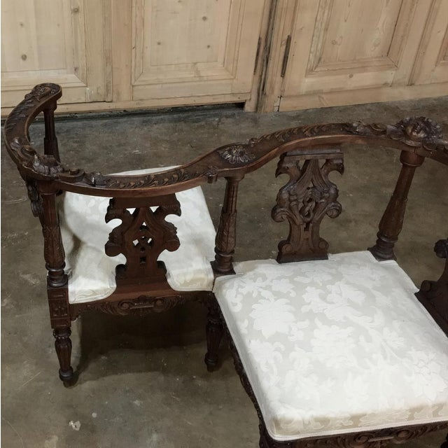 Mid 19th Century 19th Century Italian Renaissance Walnut Courtship Chair For Sale - Image 5 of 11