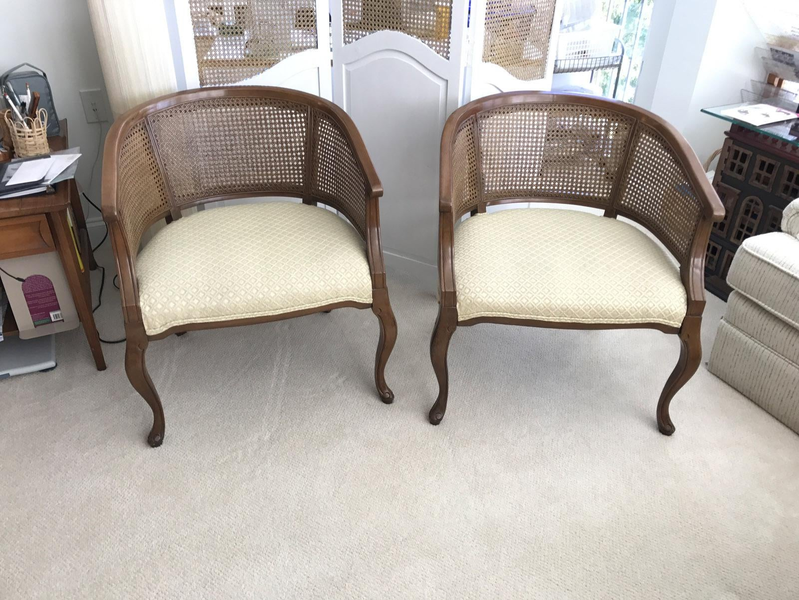 Ordinaire Offered As A Pair, These Two Vintage American Quality Fine Barrel Style  Chairs Feature Real