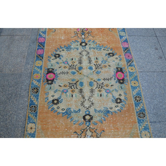 Turkish Oushak Vintage Tribal Wool Carpet - 2′8″ × 5′6″ For Sale - Image 6 of 11