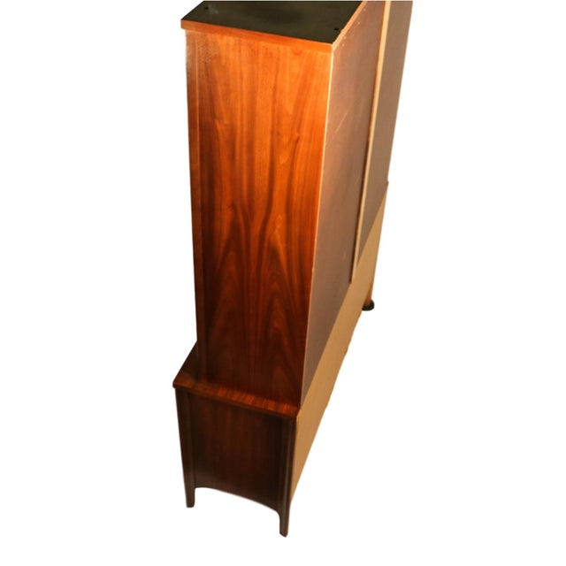 Kent Coffey Perspecta Mid-Century Modern China Hutch Cabinet For Sale - Image 9 of 9