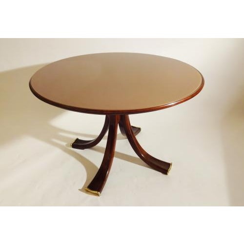 1930s Osvaldo Borsani Rare and Important Center Table in Cherry and Glass For Sale - Image 5 of 9