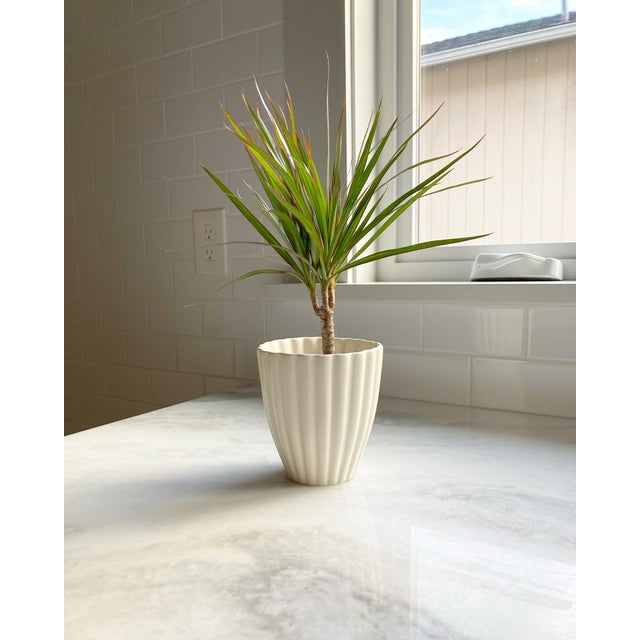 Mid 20th Century Mid 20th Century White Fluted Royal Haeger Pot For Sale - Image 5 of 6
