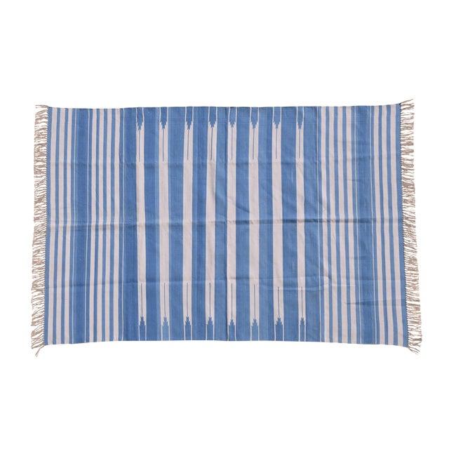 Ivy Rug, 6x9, Cornflower Blue & White For Sale