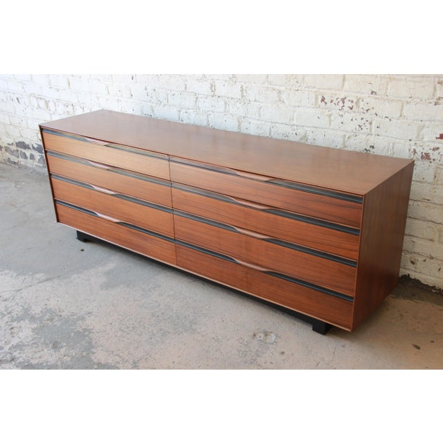 Danish Modern John Kapel for Glenn of California Mid-Century Modern Eight-Drawer Walnut Dresser For Sale - Image 3 of 13