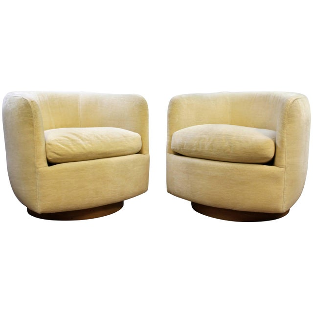 Mid-Century Modern Baughman Thayer Coggin Pair of Plinth Base Swivel Tub Chairs For Sale - Image 10 of 10