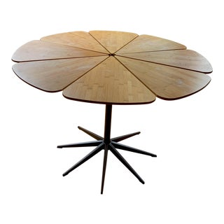 Modern 1960s Style Knoll Petal Table For Sale