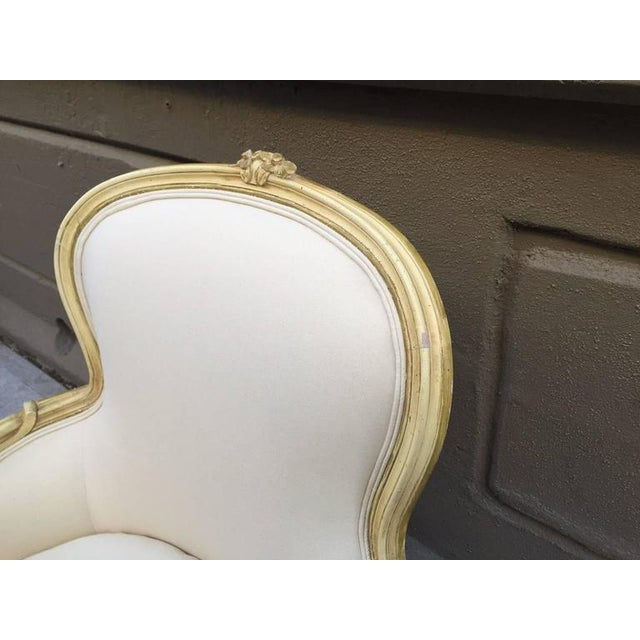 1920s Pair of French Louis XV Style Bergere Chairs For Sale - Image 5 of 7