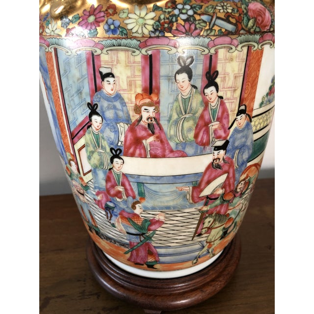 Antique Chinese Rose Medallion Table Lamp For Sale - Image 4 of 7