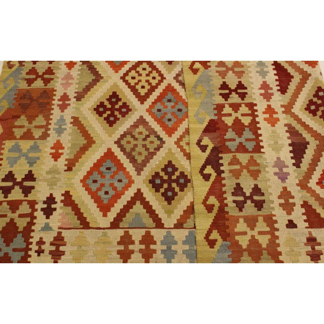Textile Abstract Rosetta Beige/Gold Hand-Woven Kilim Wool Rug -5'10 X 7'8 For Sale - Image 7 of 8