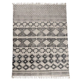 Transitional Batik White and Black Cotton Rug - 4′ × 6′ For Sale