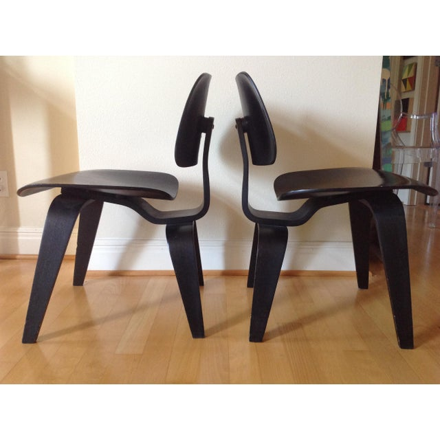 Herman Miller Charles Eames Dcw for Evans Products Co. & Herman Miller - A Pair For Sale - Image 4 of 11