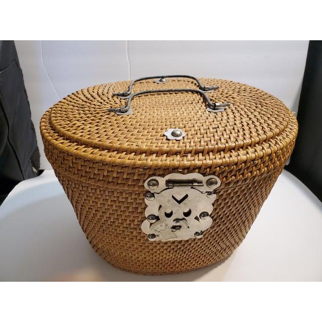 Vintage 1970s Reed Picnic/Bar/Espresso Basket For Sale - Image 10 of 13