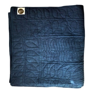 Natural Indigo Dyed Floral Pattern King Size Quilt For Sale