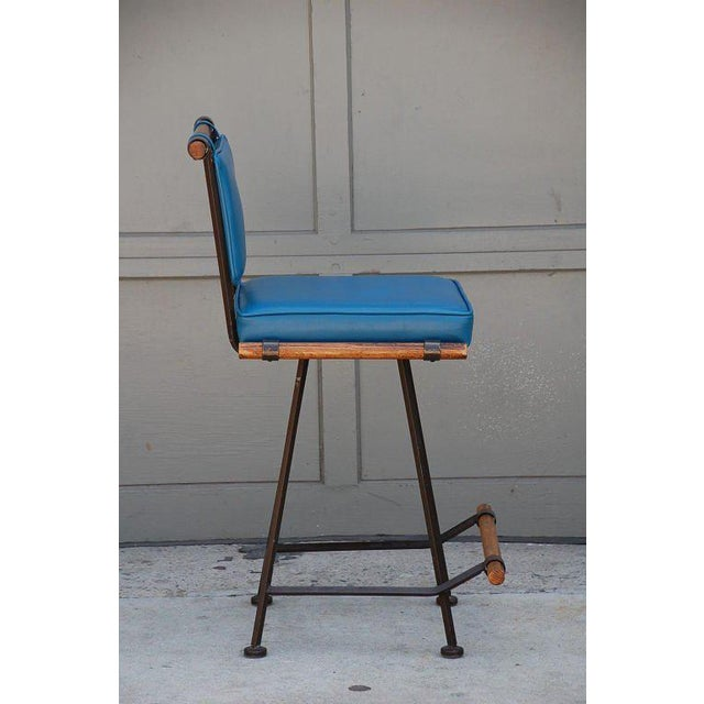 1950's Comfortable Wrought Iron and Oak Swiveling Bar Stool For Sale - Image 4 of 6