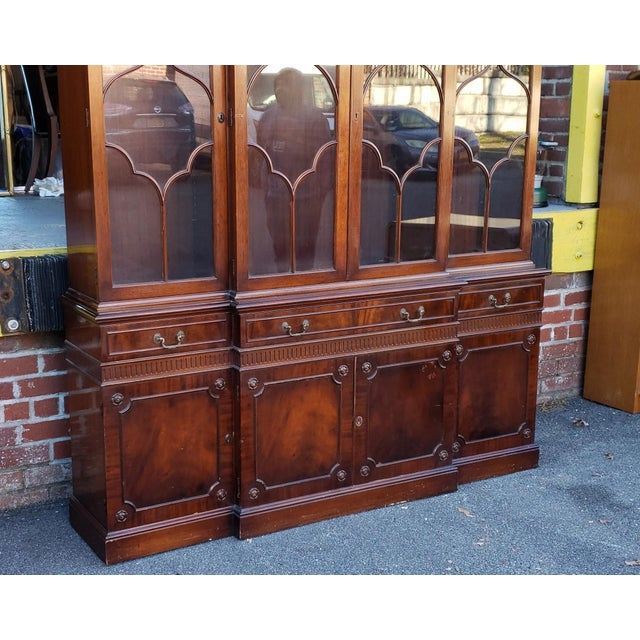 Traditional Mahogany 2 Part Dining Room Breakfront China Cabinet C1930s For Sale - Image 12 of 13