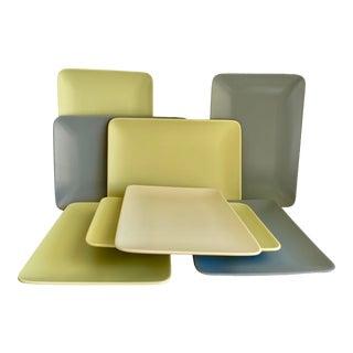 Minimalist Retro Dinner Plates - Set of 8 For Sale
