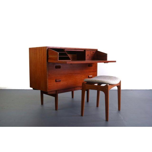 Danish Modern Borge Mogensen for Søborg Møbelfabrik Teak and Oak Chest Vanity / Short Dresser, Denmark For Sale - Image 3 of 10