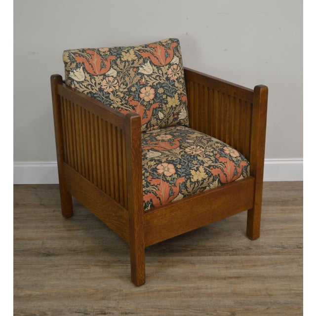 High Quality American Made Solid Oak Mission Style Spinle Cube Chair After the Design of Gustav Stickley