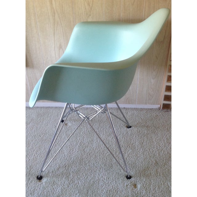 Mid-Century Modern Eames Aqua Eiffel Chair for Herman Miller. For Sale - Image 3 of 6