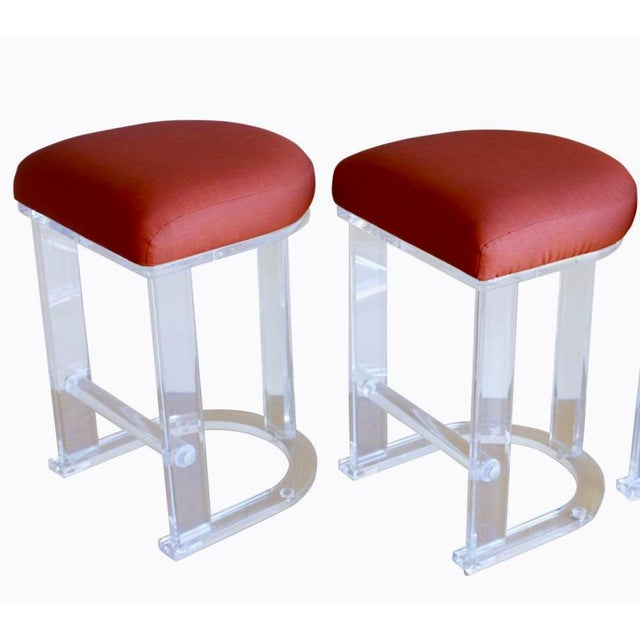 Red Mid Century Vintage Lucite Hill Manufacturing Counter Bar Stools-Set of 2 For Sale - Image 8 of 8