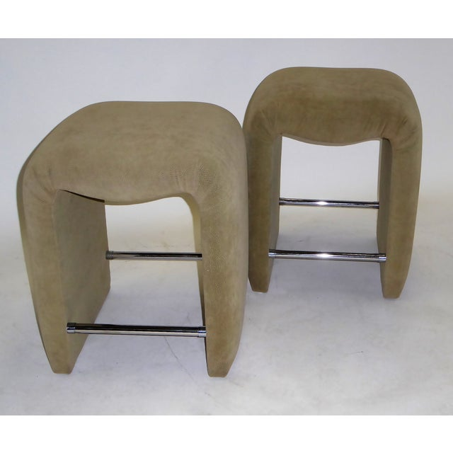 Luxurious Modern Faux Ostrich Upholstered Stools 1970s - Image 13 of 13
