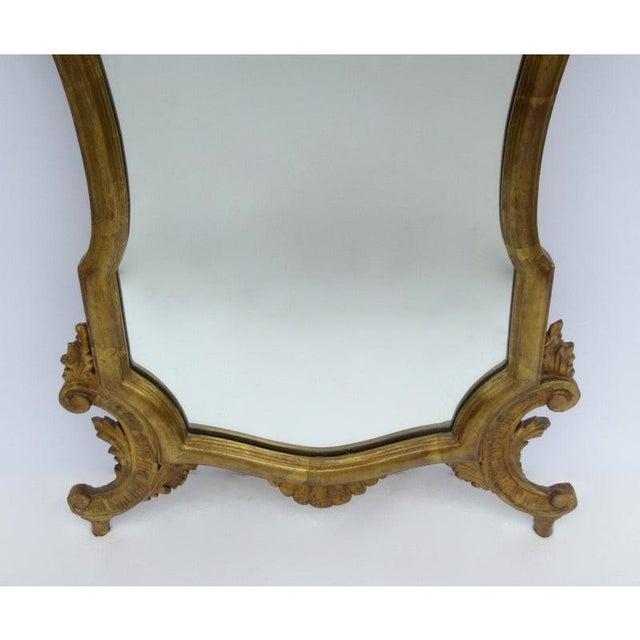 Vintage C.1950's Hollywood Regency Era Italian Venetian Gilt Gold Leaf Carved Mirror For Sale - Image 11 of 13