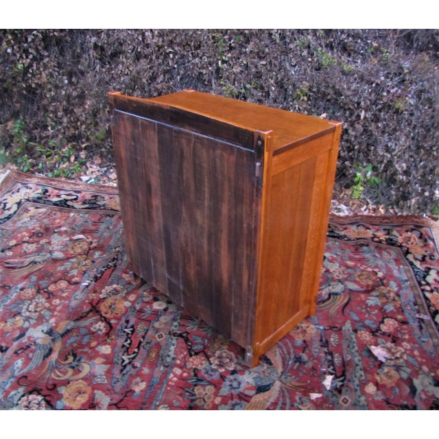 1900 - 1909 1900s Arts and Crafts Gustav Stickley Chest of Drawers For Sale - Image 5 of 13
