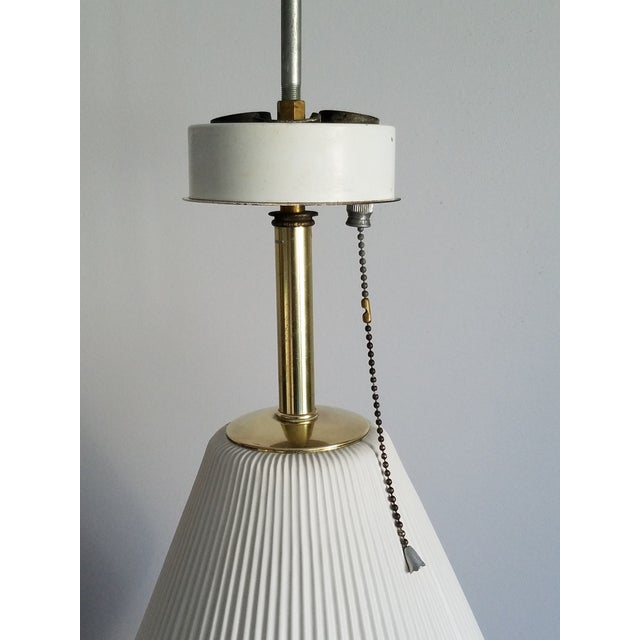 White 1950s Gerald Thurston for Lightolier Vintage Table Lamp For Sale - Image 8 of 8