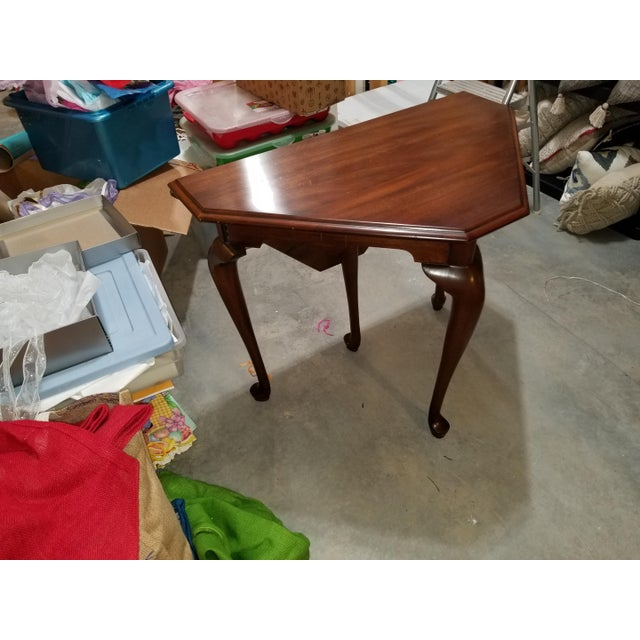 1980s 1980s Queen Anne Henkel Harris Drop Side Mahogany Corner Table For Sale - Image 5 of 9