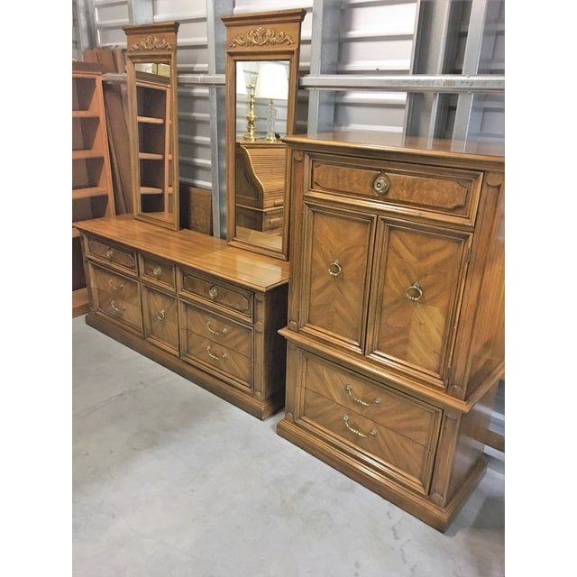 Vintage Thomasville Dresser with Wall Mirrors - Image 9 of 9