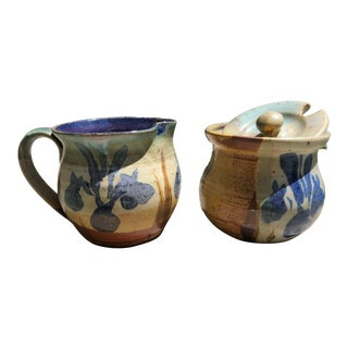 California Studio Pottery Creamer and Sugar by the Noted Potter William Creitz - a Pair For Sale