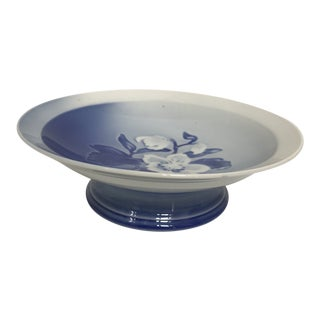 Bing & Grondahl Copenhagen Porcelain Blue and White Footed Bowl For Sale