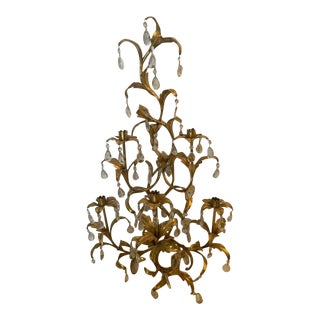 Vintage Hollywood Regency Gilt Tole Wall Sconce With Hanging Glass Prisms For Sale