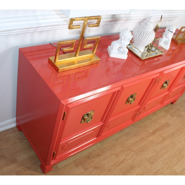 Thomasville Lacquered Hollywood Regency Chinoiserie Credenza For Sale - Image 6 of 11
