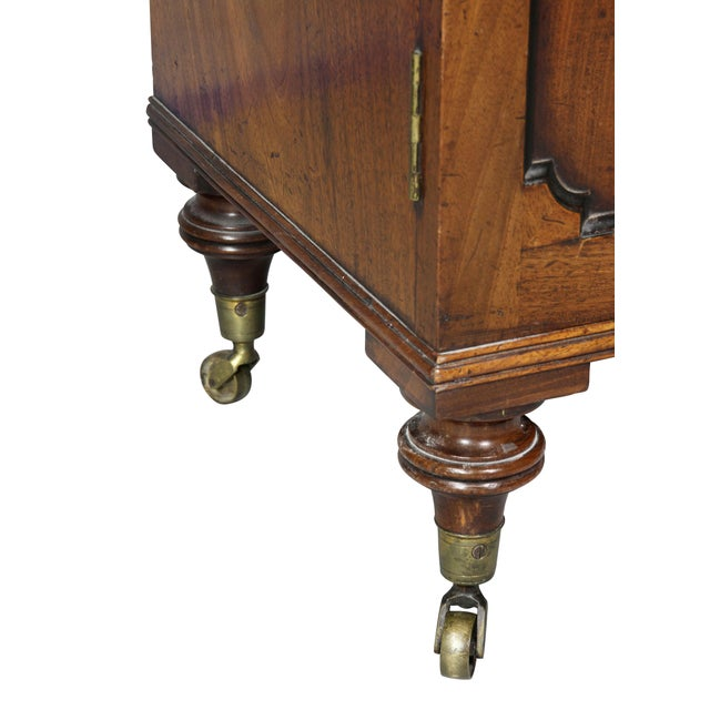 George III Mahogany Collectors Cabinet For Sale In Boston - Image 6 of 10